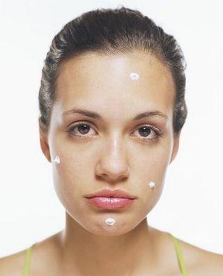 Woman_acne
